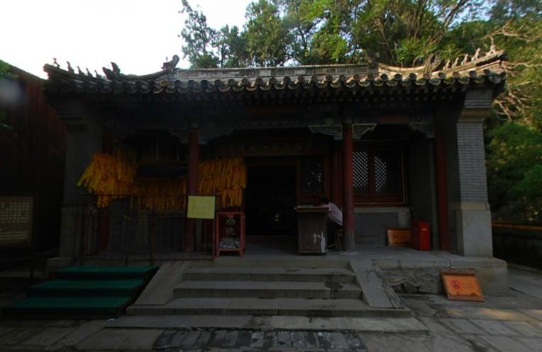 北京西郊潭柘寺