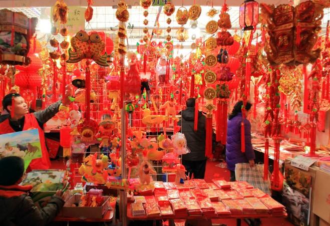 2014动景贺新年 年货市场兴起节俭风