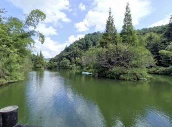桂林市古东瀑布